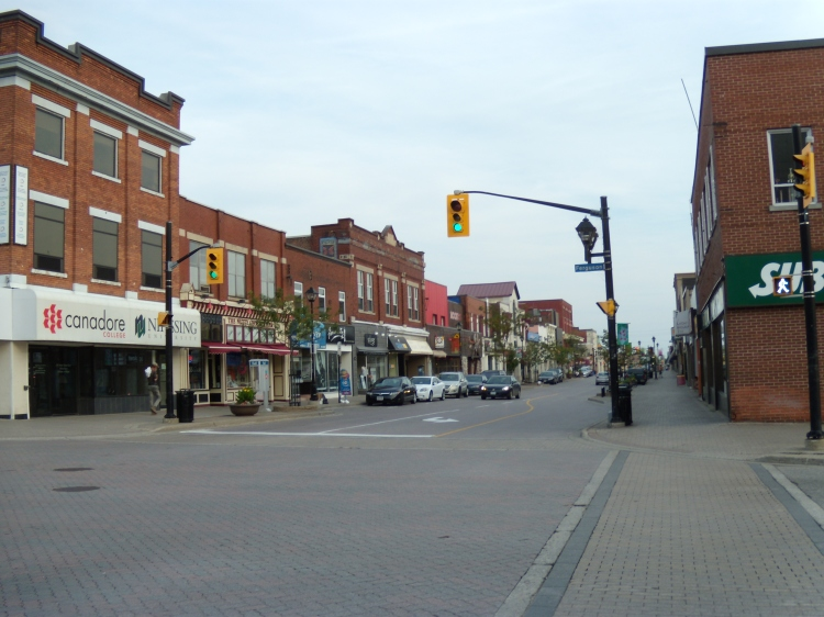 This image has an empty alt attribute; its file name is main_st_at_ferguson_north_bay_ontario.jpg